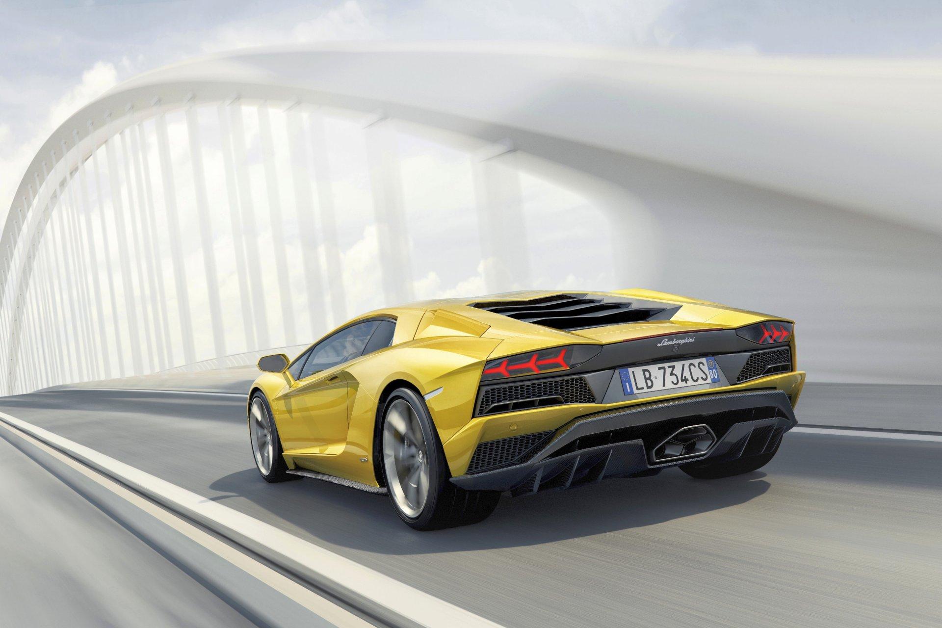 Lamborghini Aventador S Hypercar Info