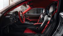 Porsche_911_GT2_RS_interior_view